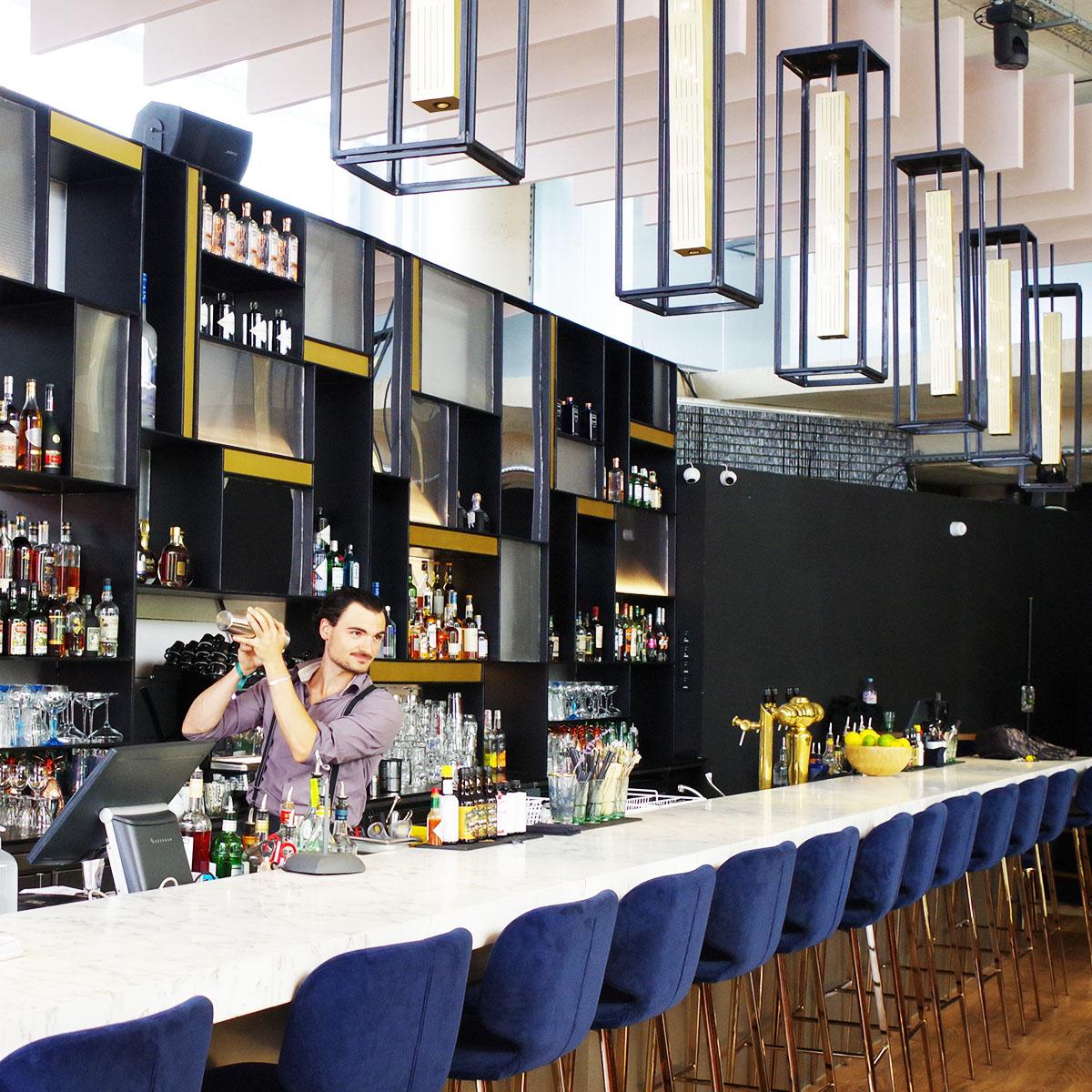 Avva Garden bar à cocktails cave à vins